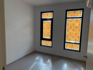 For SaleCondoRatchadapisek, Huaikwang, Suttisan : Aspire Asoke-Ratchada, selling at a loss of 3,350,000 baht, 35 sq m., 1 bedroom, 1 bathroom. If interested, contact 083-882-4256 Big.