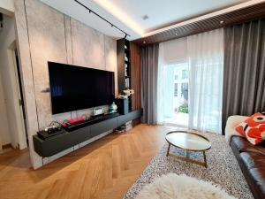 ขายบ้านบางนา แบริ่ง : ขายขาดทุนจ้า!!! 🏡🍀บ้านเดี่ยว มัณฑนา  อ่อนนุช วงแหวน 5 (Manthana Onnuch) ติดถนนวงแหวน ใกล้ MEGA + IKEA บางนา / บ้านคุณภาพ จาก Land & House  (68157)