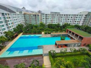 ขายคอนโดเชียงใหม่ : ขาย คอนโด ดี คอนโด ซายน์ ห้อง ชั้น บนสุด วิวสระว่ายน้ำ สระว่ายน้ำ กว้าง