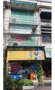 For RentShophousePha Nakorn, Yaowarat : OHM198 ให้เช่าอาคารพาณิชย์ 3 ชั้นครึ่ง เหมาะเปิดกิจการ ถนนดินสอ ใกล้ MRT สามยอด เยาวราช