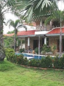 For SaleHouseHua Hin, Prachuap Khiri Khan, Pran Buri : ขายบ้านตากอากาศ 2 ชั้น ขนาด 415 ตรว. พร้อมสระว่ายน้ำ ใกล้ทะเลอ่าวมะนาว ใกล้วัดห้วยยาง ทับสะแก จ.ประจวบคิรีขันธ์