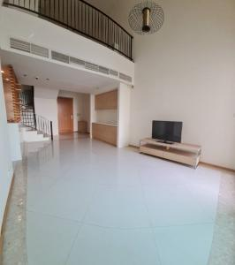 For RentCondoSathorn, Narathiwat : The Empire Place for rent Duplex 2 bedroom 104 sq.m. floor 8 price 55,000THB/month Fully furnished, Ready move in near BTS Chong nonsi