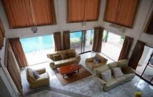 เช่าบ้านเสรีไทย-นิด้า : OHM202 ให้เช่าบ้านเดี่ยว 3 ชั้น พร้อมเฟอร์นิเจอร์ หมู่บ้านนวธานี เสรีไทย 59 ใกล้สวนสยาม
