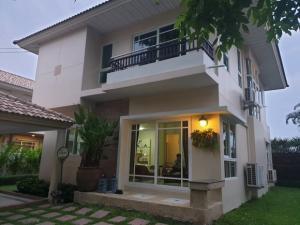 เช่าบ้านลาดกระบัง สุวรรณภูมิ : OHM208 ให้เช่าบ้านเดี่ยว 2 ชั้นพร้อมเฟอร์ Supalai Suanluang ถ.เฉลิมพระเกียรติร.9 ใกล้มอเตอร์เวย์