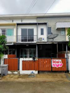 For RentTownhouseChengwatana, Muangthong : ให้เช่า The Connect ตรงข้ามทะเลสาป หลังสนามฟุตบอล เมืองทองธานี