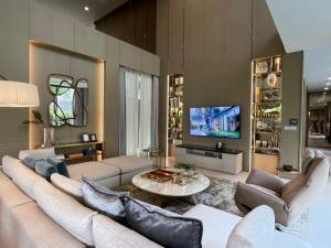 ขายบ้านพระราม 9 เพชรบุรีตัดใหม่ : ขายบ้านโซนรัชดาฯ Ultra Luxury house in Ratchada - Rama 9