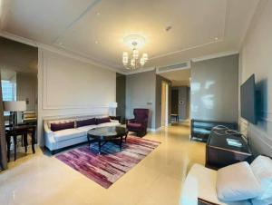 ขายคอนโดวิทยุ ชิดลม หลังสวน : ขาย Sindhorn Residence 2 Bedroom 3 Bathroom 140 sqm. ราคาต่ำกว่าราคาตลาดเกือบ 10 ล้านบาท ขาย 20.86 ล้าน