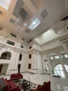 เช่าคอนโดสุขุมวิท อโศก ทองหล่อ : RARE ITEM!!! For Rent 2 Bed @ ROYAL CASTLE nice room Renovated price 50K contact 087-7071977