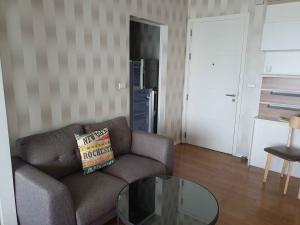 เช่าคอนโดอ่อนนุช อุดมสุข : Condo for RENT at bloc77 by Sansiri ค่าเช่า 12,000 บาท ขนาด 30 ตรม. ชั้น 26 วิวกรุงเทพ 1 ห้องนอน 1 ห้องนัำ ครัว พรัอม เครื่องใชัไฟฟ้า ( แอร์ 2 เตาไฟฟ้า ไมโครเวฟ ตู้เย็น )