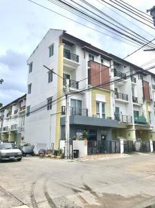 For RentShophouseRama 2, Bang Khun Thian : อาคารพาณิชย์ 4 ชั้น พร้อมหน้าร้าน showroom สินค้า มีที่จอดรถพื้นที่ส่วนกลาง  ห้องหัวมุมติดถนน ทำเลดีมาก