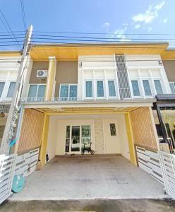For SaleTownhouseRamkhamhaeng,Min Buri, Romklao : ขาย ทาวน์เฮ้าส์ 2 ชั้น บ้านโกลเด้นทาวน์ รามคำแหง-วงแหวน