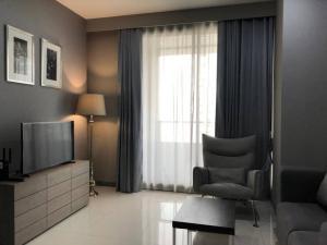 For RentCondoSilom, Saladaeng, Bangrak : ให้เช่า 1 ห้องนอน ชั้น 26 ตกแต่งดี เลี้ยงสัตว์ได้ - Rent 1 Bedroom Pet Friendly !!