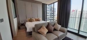 For RentCondoSilom, Saladaeng, Bangrak : Rent/Sell Ashton Silom condo near Chongnonsi 350m. Size 35sqm. on 29th floor, 1 bedroom 1 bathroom  fully furnished, ready to move in.