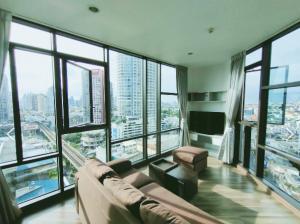 "For RentCondoOnnut, Udomsuk : Just RENOVATED!! Condo for RENT at Wyne Sukhumvit  Phrakhanong  BTS-250m. 49 sqm. on 15th fl. Split-level Corner 360° Views super bright- 75% floor to ceiling windows ""dragons head """