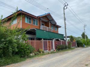 ขายบ้านบางใหญ่ บางบัวทอง ไทรน้อย : ขายบ้านเดี่ยว ไทรน้อย  ตำบลทวีวัฒนา 106 ตรว. 4 นอน 5 น้ำ บ้านสร้างเอง บรรยากาศสดชื่น สไตล์บ้านสวน ได้ที่กว้าง อากาศสดชื่น