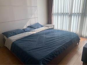 For RentCondoSathorn, Narathiwat : For rent, The Address Sathorn, 4th floor, spacious room, great common area, great view of Mahanakhon building, has a Jacuzzi in the room