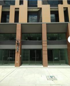 เช่าทาวน์เฮ้าส์/ทาวน์โฮมบางแค เพชรเกษม : BH1130 ให้เช่าและขาย อาคาร 3.5 ชั้น โครงการสิริอเวนิว ถนนเพชรเกษม 81 เหมาะทำออฟฟิศ ร้านค้า กวดวิชา โชว์รูม