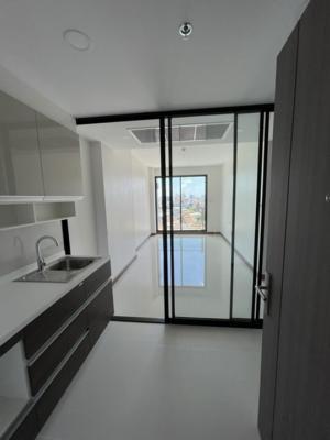 For RentCondoWongwianyai, Charoennakor : ปล่อยเช่า 1 ห้องนอน พร้อมอยู่เดือนหน้า (กำลังตกแต่ง)