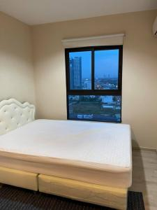 For RentCondoRattanathibet, Sanambinna : For rent Plum Condo Central Station Phase 2, 20th floor, city view, morning sun next to Central Westgate