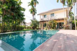 For SaleHouseChiang Mai : ขายบ้านเชียงใหม่ สไตล์วิลล่า พร้อมสระว่ายน้ำ  เงียบสงบ 142ตรว ม.กาญจน์กนก2 ติดถ.วงแหวน3 คุณหมิว0986168829