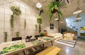 For RentTownhouseSukhumvit, Asoke, Thonglor : Rental : Townhome Sukhumvit 65 , 4 Bed 3.5 Bath 2 Living Room , Rooftop Area , 290 sqm   🔥🔥 Rental : 47,500 THB / Month 🔥🔥