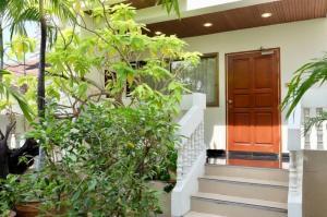 For RentTownhouseSathorn, Narathiwat : Large and Beautiful Townhouse Near CBD Sathorn