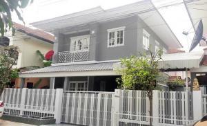ขายบ้านรังสิต ธรรมศาสตร์ ปทุม : ขายบ้านเดี่ยว 2 ชั้น 37 ตร.วา บ้านบุรีรมย์ รังสิต-คลอง 4 ใกล้ฟิวเจอร์พาร์ครังสิต