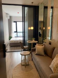 For RentCondoOnnut, Udomsuk : Condo for RENT  KnightsBridge Prime Onnut Condo ขนาด 27 ตารางเมตร 1 ห้องนอน 1 ห้องน้ำ ชั้น 46 เพดานสูง 3 เมตร ทำให้ห้องดูโล่งโปร่งสบาย