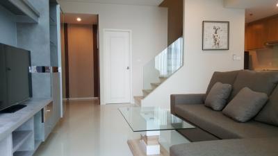 For RentCondoRama9, RCA, Petchaburi : 1982(AT)-A😊 For RENT ให้เช่า Duplex 1 ห้องนอน🚄ใกล้ MRT เพชรบุรี ( 220 ม. )🏢วิลล่า อโศก Villa Asoke 🔔พื้นที่:80.09ตร.ม.💲เช่า:45,000.-บาท📞099-5919653✅LineID:@sureresidence