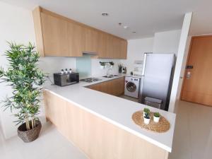 For RentCondoRama9, RCA, Petchaburi : For rent and sale Villa Asoke 2 bedrooms 2 bathrooms 85.9 sqm. rental 39,500 baht/month selling at 11.4 mil baht