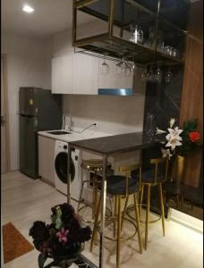 For RentCondoWitthayu,Ploenchit  ,Langsuan : Hot price!! Life One Wireless for rent 1 bedroom 28 sq.m. fl.18 price 23,000THB/month Fully furnished, Ready move in near BTS Chitlom