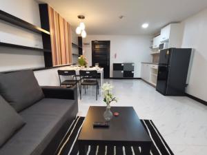 เช่าคอนโดสาทร นราธิวาส : For Sale/Rent at ITF Silom palace condo  Near BTS Chongnonsi , size 47.37sqm. 1bed 1bath on 14th floor ห้องสวย สภาพใหม่