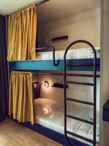เช่าคอนโดรังสิต ธรรมศาสตร์ ปทุม : Line ID: benzthagoon ให้เช้าคอนโด Attitude BU ห้องนอนมี 4 เตียง สำหรับ 4 คน สะดวก พื้นที่กว้าง ราคาถูกสุด++