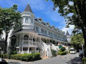 For RentHouseBangna, Lasalle, Bearing : ให้เช่า / ขาย บ้านแฟนตาเซีย วิลล่า 2 (Fantasia Villa 2) 4 ห้องนอน 5 ห้องน้ำ BTS แบริ่ง 500 เมตร