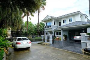 For RentHousePattanakan, Srinakarin : BH1141 ให้เช่าบ้านเดี่ยว2ชั้น 4ห้องนอน 4ห้องน้ำ หมู่บ้าน นันทวัน - ศรีนครินทร์ หลังมุม อำเภอเมืองสมุทรปราการ
