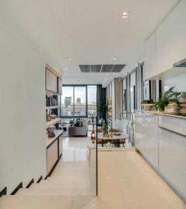 For SaleCondoSilom, Saladaeng, Bangrak : ขาย 2 ห้องนอน ราคาพิเศษ ห้องสุดท้าย Ashton Silom ราคา 13.53 ล้านบาท ติดต่อ 0869017364
