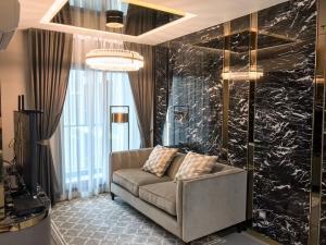 ขายคอนโดราชเทวี พญาไท : ขายคอนโด Rhythm รางน้ำ ตกแต่งสวยหรู 58.46ตรม. ชั้นสูง 2นอน 2 น้ำ เฟอร์นำเข้า สภาพใหม่เอี่ยม (เจ้าของขายเอง)