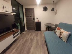 For RentCondoRatchadapisek, Huaikwang, Suttisan : Condo Modiz Ratchada 32  for rent