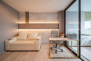 """For RentCondoWitthayu,Ploenchit  ,Langsuan : ⚡️Life One Wireless, large room, fully furnished, luxury decoration, near BTS """"like to negotiate in front of the event"""""""
