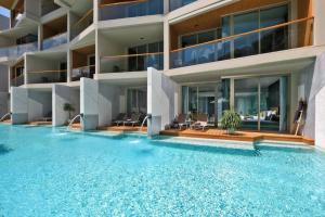 """For SaleCondoPhuket, Patong : ราคาพิเศษ. เหลือ 1 ห้องสุดท้ายเท่านั้น 5.5 ล้านปกติ 7.6 ล้าน☎096-9822394.🆔 milin_milin.ข้อดีของการขาย IP ( Investment Property )อสังหาเพื่อการลงทุน ดีกว่าการขาย Residential เพื่อการลงทุนยังไง1. IP ถ้าทำเป็นธุรกิจในรูปแแบบ โรงแรม ที่มีโฉนด สลักหลัง""""เพ"""
