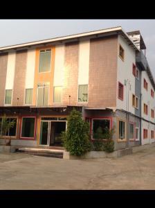 For SaleBusinesses for saleBuri Ram : ขายด่วนโรงแรม ใน จ.บุรีรัมย์ ขายถูกมาก แบ่งชำระได้