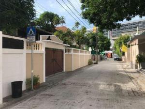 For RentHouseRama9, RCA, Petchaburi : OHM213 ให้เช่าบ้านเดี่ยว 2 ชั้น เหมาะทำโฮมออฟฟิศ พระรามเก้าซอย 52 ตรงข้าม The NINE พระรามเก้า