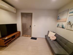 เช่าคอนโดพระราม 9 เพชรบุรีตัดใหม่ : Life Asoke Rama9 / 1 ห้องนอน / 33 ตร.ม.