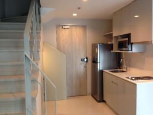 ขายคอนโดพระราม 9 เพชรบุรีตัดใหม่ : ขายคอนโดโซนพระรามเก้า ! Ideo mobi rama9 (ไอดีโอ โมบิ พระรามเก้า) mrt พระราม9 Duplex ชั้นสูง 27-28 2 bed 62 ตร.ม ราคา 10,599,000 บาท สวยมาก ตกแต่งบิ้วอินครบ