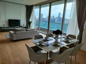 For RentCondoSilom, Saladaeng, Bangrak : Rent 2 Bedroom 2 Bathroom - SPECIAL PRICE ให้เช่า 2 ห้องนอน ราคาพิเศษ!!