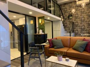 For RentCondoKasetsart, Ratchayothin : LBCD0014 Condo for rent Knightsbridge Space Ratchayothin, Loft room (Duo Space), new room, never been in.