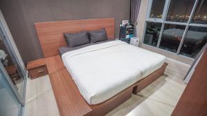 For SaleCondoOnnut, Udomsuk : Best View!! 1BR 39 Sq.m Condo for SALE at Aspire Sukhumvit 48! Best Price on High Floor!!