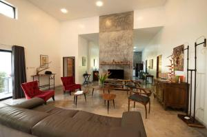 For SaleHouseKrabi : Five-bedroom, fully-furnished villa with 10-meter pool