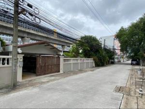 For RentHome OfficeRama9, RCA, Petchaburi : NA-H7031 ให้เช่า Home Office 2 หลัง ในพื้นที่ 162 ตร.ว. ใกล้ทางด่วนพระราม 9 เพิ่ง renovate ใหม่ทั้งหลัง