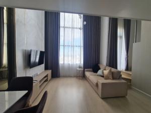 ขายคอนโดสาทร นราธิวาส : For Sell !! Knightsbridge Prime Sathorn 37Sqm Fl25++ Duo room River view @6.3 Mb Only